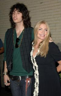 Shannon Tweed and Nick Simmons at the Us Hollywood 2007 Party.