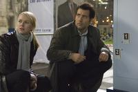 Naomi Watts as Eleanor Whitman and Clive Owen as Louis Salinger in