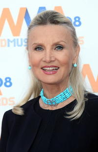 Barbara Bouchet at the 2008 Wind Music Awards.