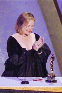 Dianne Wiest accepts best supporting actress award during the 67th Academy Awards.