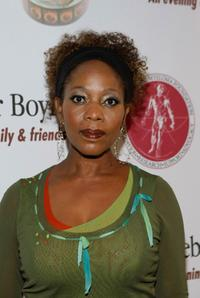 Alfre Woodard at the Comedy to Benefit the IMFs Peter Boyle Fund held at the Wilshire Ebell Theater and Club.