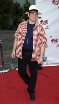 Robert Wuhl at the All Star Family Sports Jam to Benefit Childrens Hospital of Los Angeles.
