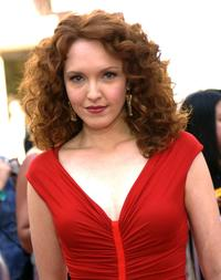 Amy Yasbeck at the American Idol Season Three Grand Finale.