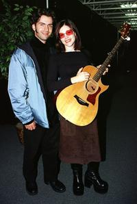 Dweezil Zappa and Lisa Loeb at the VH1 Storytellers at Sundance concert.