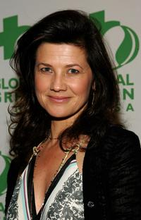 Daphne Zuniga at the 2007 green cross millenium awards.
