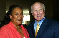 Jayne Kennedy-Overton and Terry Bradshaw at the Erasing The Stigma Leadership Awards 2005.