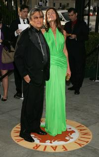 Robert Evans and Victoria White at the 2007 Vanity Fair Oscar Party.