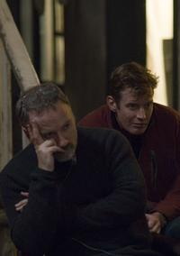 Director David Fincher and Jason Flemyng on the set of