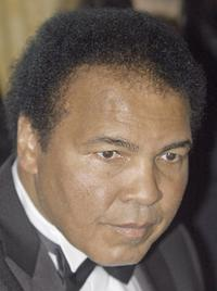 Muhammad Ali at the 2004 Kahlil Gibran Spirit of Humanity Awards.