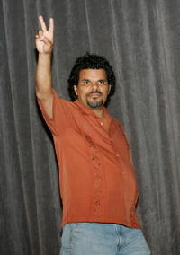 Luis Guzman at the premiere of