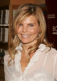 Mariel Hemingway at the Borders to sign copies of her new book