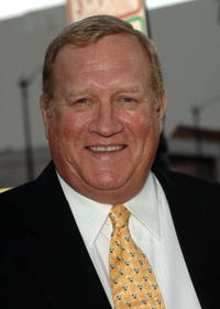 Ken Howard at the premiere of