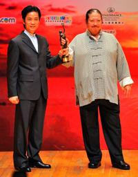 Yuen Tak and Sammo Hung at the 28th Hong Kong Film Awards 2009.