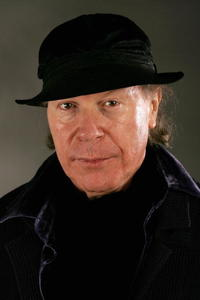 Henry Jaglom at the AFI FEST 2006 Portrait Session for