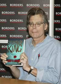 Stephen King at the signing session for his new novel