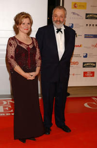 Imelda Staunton and Mike Leigh at the European Film Awards 2004.