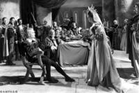 Laurence Olivier as Hamlet and Eileen Herlie as Gertrude, the Queen.