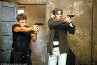Parker (Ryan Phillippe) and Longbaugh (Benicio Del Toro) in