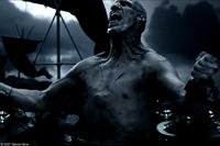 The Uber Immortal (Robert Maillet) is released from his bonds and unleashed upon the Spartans in