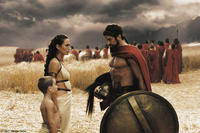 Leonidas (Gerard Butler) bids farewell to his son Pleistarchos (Giovani Antonio Cimmino) and wife Gorgo (Lena Headey) in