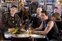 Jack (Ray Liotta) and the Del Fuegos gang in their bar in
