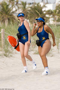 Reno Deputies Trudy Wiegel (Kerri Kenney-Silver) and Raineesha Williams (Niecy Nash) try - futilely - to blend in with the beach crowd in