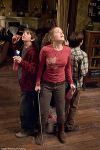 Sarah Bolger and Freddie Highmore in