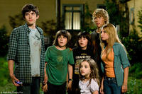 Carter Jenkins as Tom, Henri Young as Art, Regan Young as Lee, Ashley Boettcher, Austin Butler as Jake and Ashley Tisdale as Bethany in