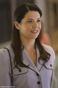 Lauren Graham as Phyllis Kearns in