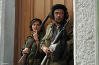 Catalina Sandino Moreno as Aleida Guevara and Benicio Del Toro as Che in