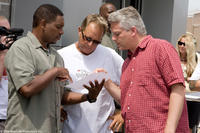 Mykelti Williamson, director David R. Ellis and producer Craig Perry on the set of