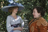 Michelle Pfeiffer as Lea de Lonval and Kathy Bates as Charlotte Peloux in