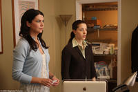 Lauren Graham as Elizabeth and Olivia Thirlby as Anne in