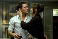 Jonathan Rhys Meyers as James Reese and Kasia Smutniak as Carolina in