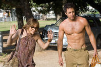Jennifer Lopez as Zoe and Alex O'Loughlin as Stan in