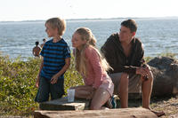 Braeden Reed as Alan, Amanda Seyfried as Savannah and Channing Tatum as John in