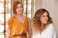 Cynthia Nixon as Miranda and Sarah Jessica Parker as Carrie in
