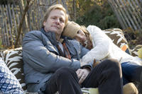Jeff Daniels as Richard and Lisa Kudrow as Claire in
