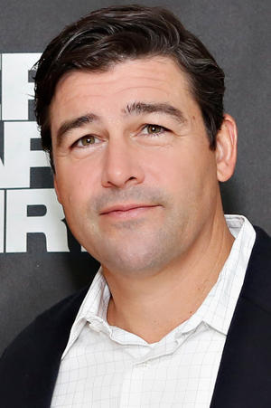 Kyle Chandler as Harge Aird