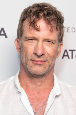 Thomas Jane as Detective Felix Owens