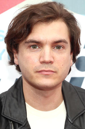 Emile Hirsch as Sean