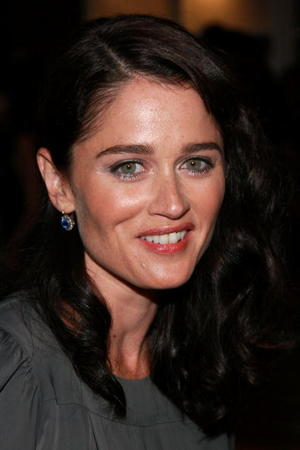 Robin Tunney as Laura