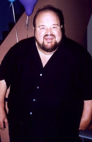 Dom DeLuise as Buddy Bizarre
