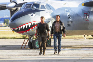 News Briefs: Arnold Schwarzenegger Says Hasta la Vista, Baby to 'Expendables'