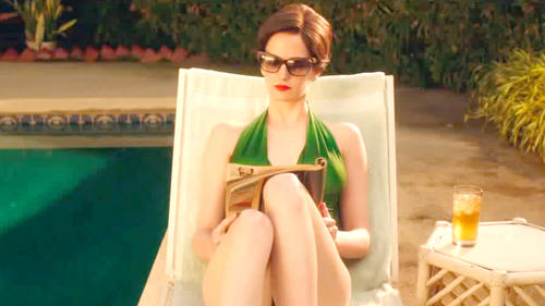 White Bird in a Blizzard: Movie Clip - Poolside Chat