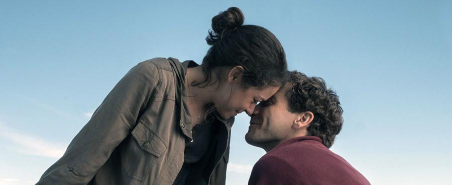 Strong Tatiana Maslany Jake Gyllenhaal