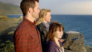 "Chris Pine as Sam, Elizabeth Banks as Frankie and Michael D'Addario as Josh in ""People Like Us."""