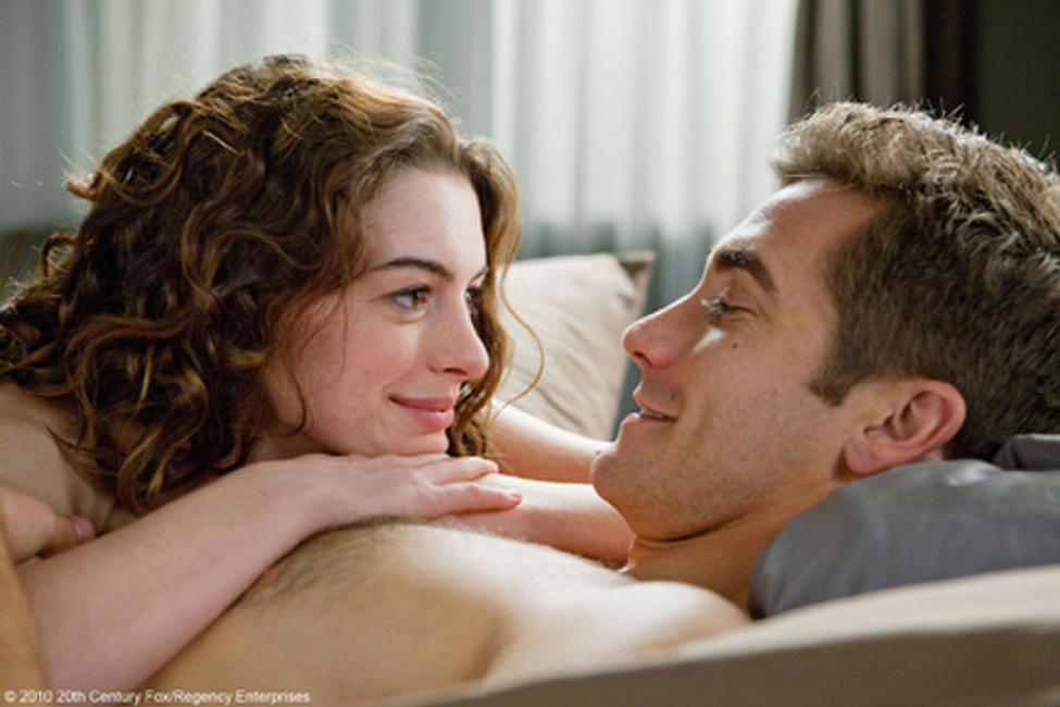 Love and Other Drugs Photos + Posters