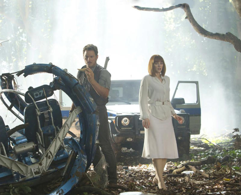 Jurassic World (2015) Photos + Posters