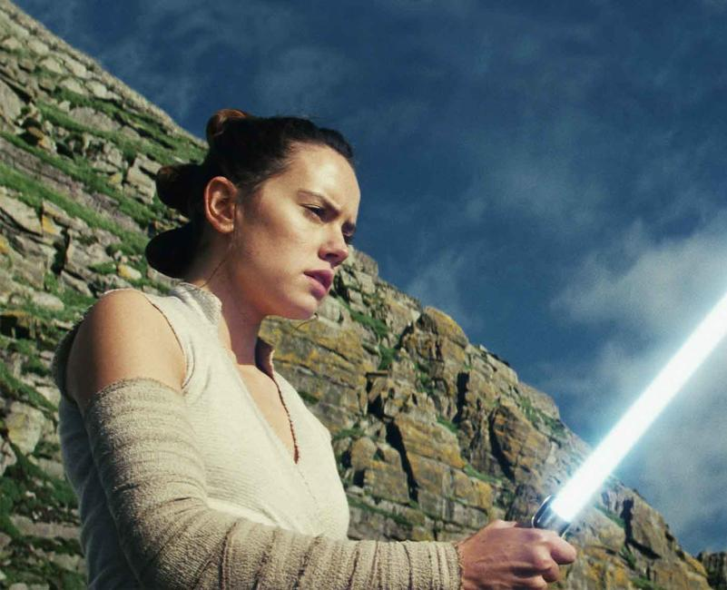 Star Wars: The Last Jedi (2017) Photos + Posters